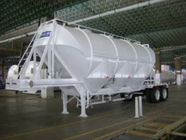 Semi Trailer SYMSA for ashes after combustion